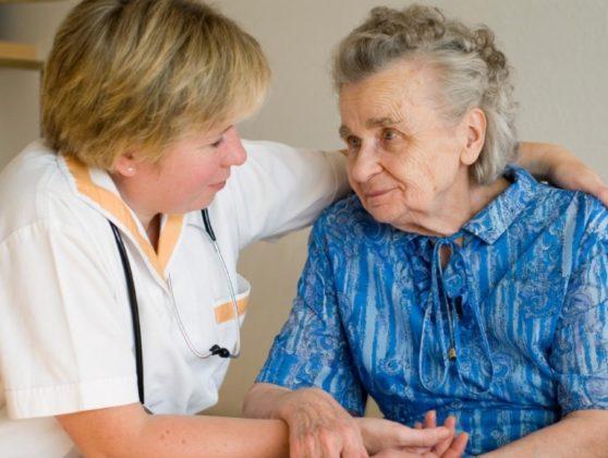 Симптомы деменции у пожилых людей: причины и лечение